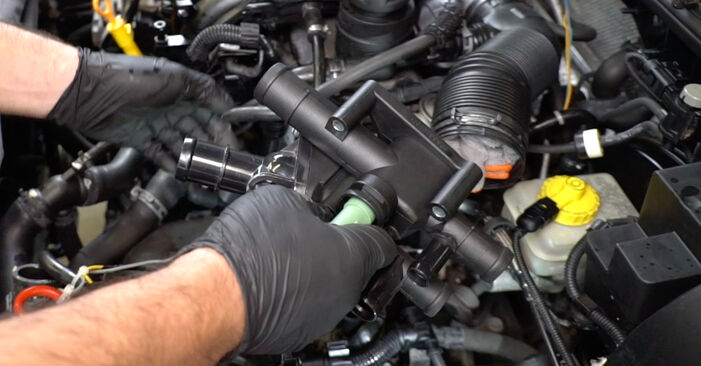 How to replace VW Golf IV Hatchback (1J1) 1.4 16V 1998 Thermostat - step-by-step manuals and video guides