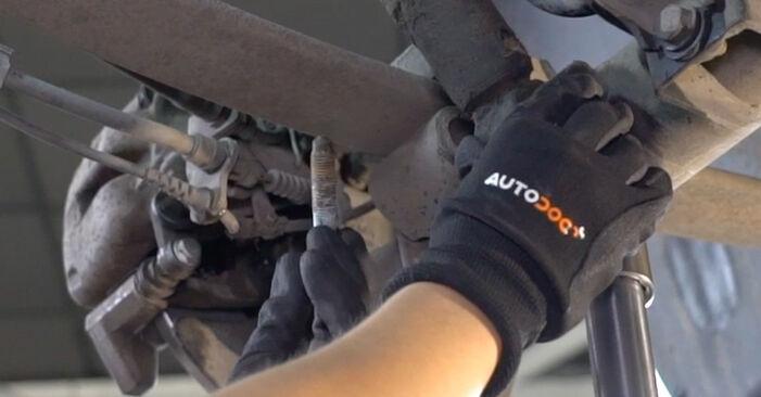 Ako dlho trvá výmena: Tlmič pruzenia na aute VW Caddy 3 Van 2012 – informačný PDF návod