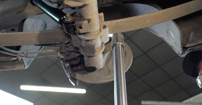VW Caddy 3 Van 1.6 TDI 2006 Tlmič pruzenia výmena: bezplatné návody z našej dielne