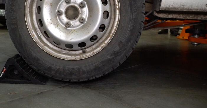 Ako vymeniť VW Caddy III Van (2KA, 2KH, 2CA, 2CH) 1.9 TDI 2005 Tlmič pruzenia – návody a video tutoriály krok po kroku.