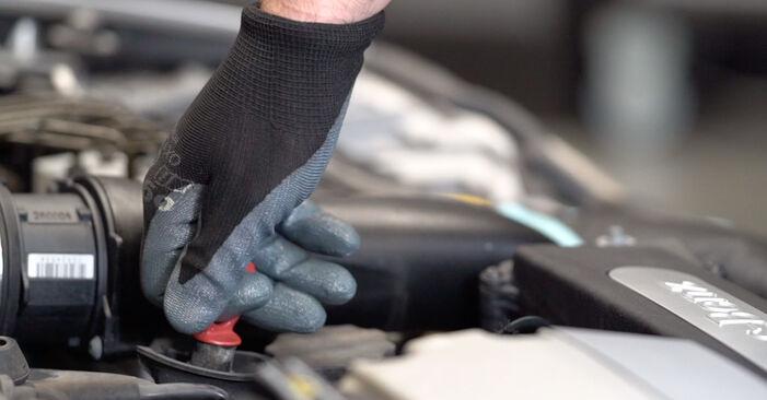 Ölfilter Ihres Mercedes W210 E 230 2.3 (210.037) 2003 selbst Wechsel - Gratis Tutorial