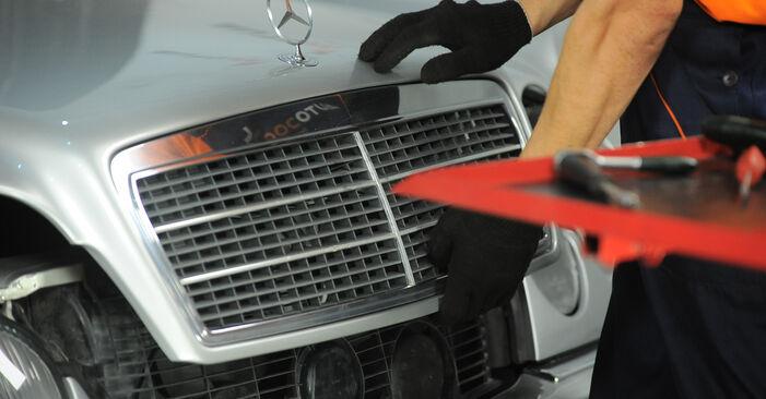 Byta Mercedes W210 E 220 CDI 2.2 (210.006) 1997 Bromsbelägg: gratis verkstadsmanualer