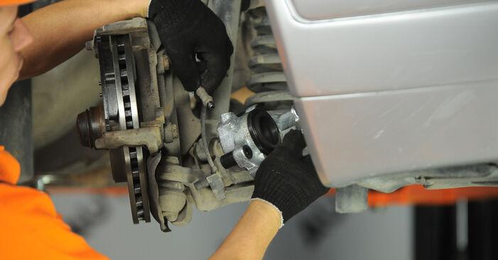Смяна на Mercedes W210 E 220 CDI 2.2 (210.006) 1997 Спирачен апарат: безплатни наръчници за ремонт