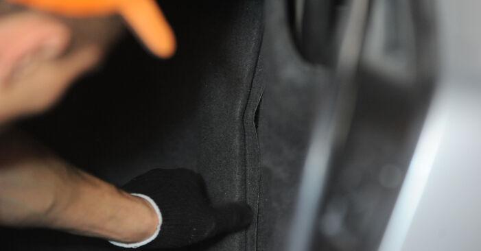 Mercedes W210 E 220 CDI 2.2 (210.006) 1997 Amortizatorius keitimas: nemokamos remonto instrukcijos
