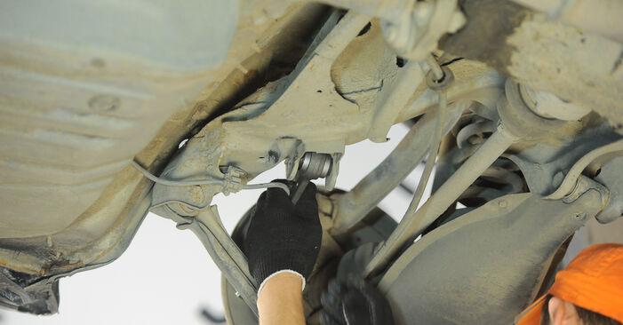 Zweckdienliche Tipps zum Austausch von Querlenker beim MERCEDES-BENZ E-Klasse Limousine (W210) E 200 2.0 (210.035) 2000