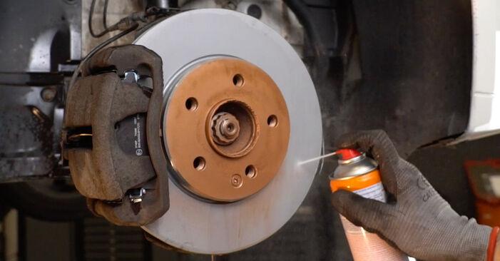 Wie schwer ist es, selbst zu reparieren: Querlenker Mercedes W210 E 240 2.4 (210.061) 2001 Tausch - Downloaden Sie sich illustrierte Anleitungen