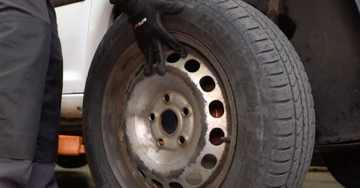 Austauschen Anleitung Bremsscheiben am VW Caddy 3 kasten 2014 1.9 TDI selbst