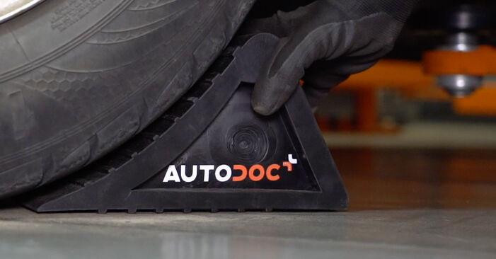 Come rimuovere VW CADDY 1.6 2008 Pastiglie Freno - istruzioni online facili da seguire