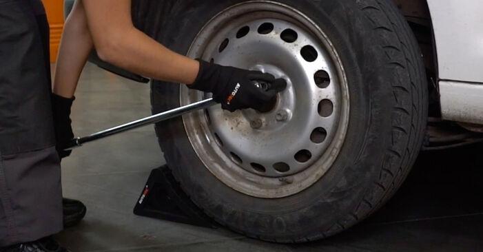 Come sostituire VW Caddy III Van (2KA, 2KH, 2CA, 2CH) 1.9 TDI 2005 Pastiglie Freno - manuali passo passo e video guide
