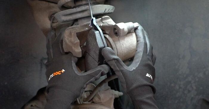 Zweckdienliche Tipps zum Austausch von Bremsbeläge beim VW Caddy III Kastenwagen (2KA, 2KH, 2CA, 2CH) 2.0 SDI 2006