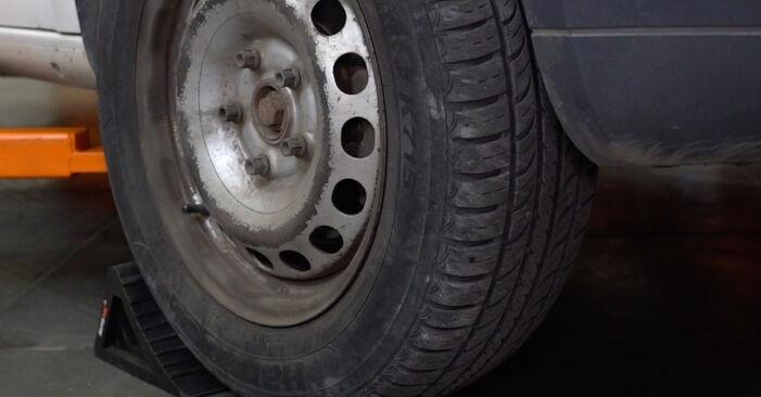Bremsbeläge VW Caddy 3 kasten 2.0 SDI 2006 wechseln: Kostenlose Reparaturhandbücher