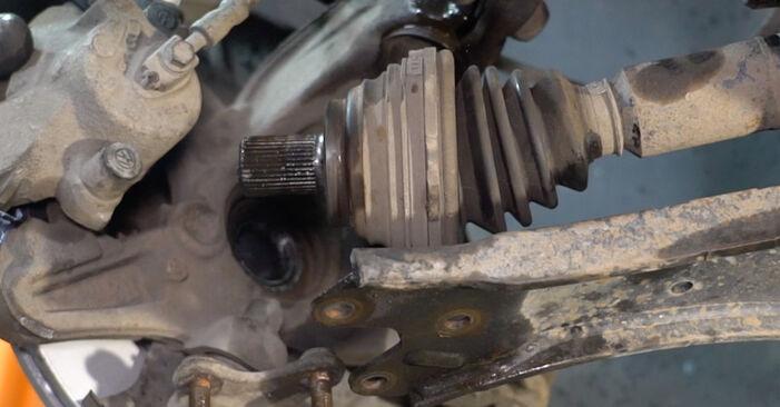 Substituindo Amortecedor em VW Caddy 3 Van 2014 1.9 TDI por si mesmo