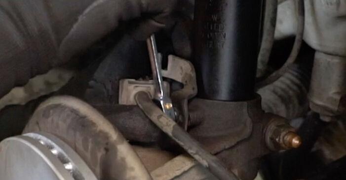 Como substituir VW Caddy III Van (2KA, 2KH, 2CA, 2CH) 1.9 TDI 2005 Amortecedor - manuais e guias de vídeo passo a passo