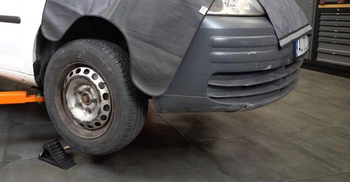 VW Caddy 3 Van 2014 1.9 TDI Spyruoklės keitimas savarankiškai