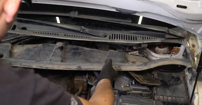 Remplacer Coupelle d'Amortisseur sur VW Caddy 3 Van 2014 1.9 TDI par vous-même