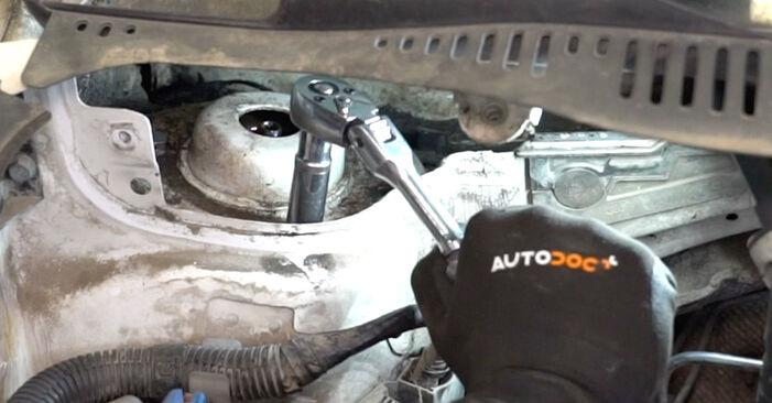 VW CADDY 2011 Coupelle d'Amortisseur manuel de remplacement étape par étape