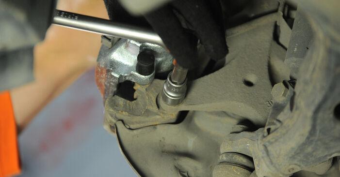 Wie man Radlager am MERCEDES-BENZ E-Klasse Limousine (W210) 2000 wechselt – Laden Sie sich PDF-Wegleitungen und Videoanweisungen herunter