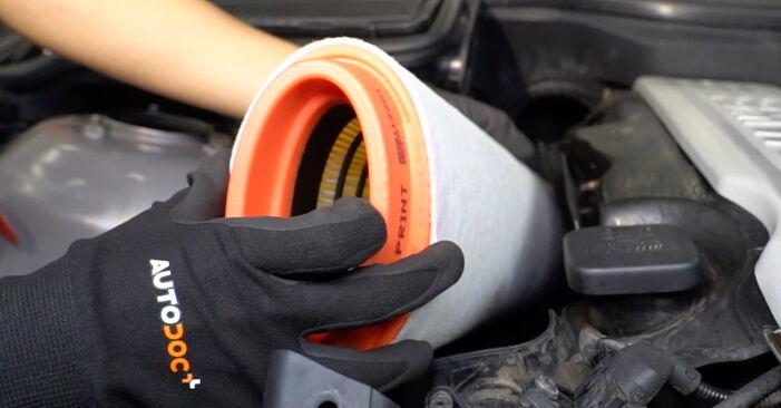 Zweckdienliche Tipps zum Austausch von Luftfilter beim BMW 5 Touring (E39) 525d 2.5 2000