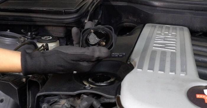 Luftfilter beim BMW 5 SERIES 525tds 2.5 2001 selber erneuern - DIY-Manual