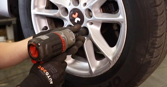 ABS Sensor am BMW 5 Touring (E39) 528i 2.8 2000 wechseln – Laden Sie sich PDF-Handbücher und Videoanleitungen herunter