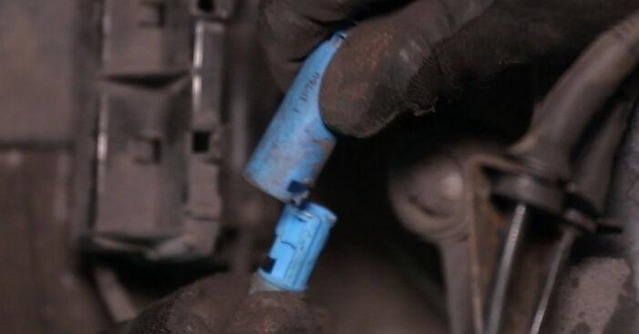 Wie BMW 5 SERIES 520i 2.2 1999 ABS Sensor ausbauen - Einfach zu verstehende Anleitungen online