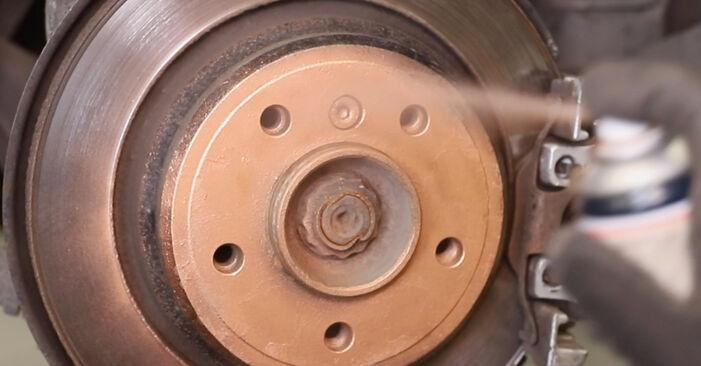 Wie schwer ist es, selbst zu reparieren: ABS Sensor BMW E39 Touring 530i 3.0 2002 Tausch - Downloaden Sie sich illustrierte Anleitungen