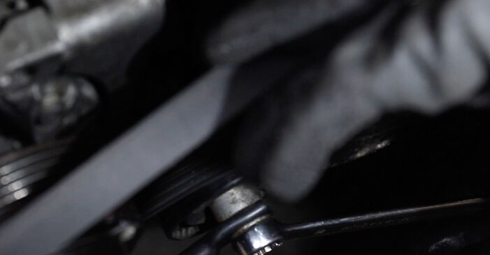 Mennyire nehéz önállóan elvégezni: BMW E39 Touring 530i 3.0 2002 Hosszbordás szíj cseréje - töltse le az ábrákat tartalmazó útmutatót