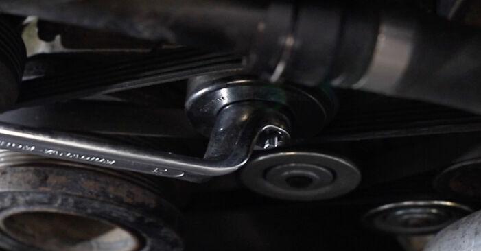 Wie lange benötigt das Auswechseln der Teile: Keilrippenriemen beim BMW E39 Touring 1994 - Detailliertes PDF-Tutorial