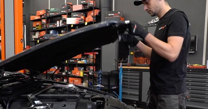 Wie man Ölfilter beim BMW E36 1994 wechselt - Gratis PDF- und Video-Tutorials