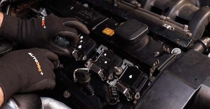 Zündkerzen BMW E36 325i 2.5 1992 wechseln: Kostenlose Reparaturhandbücher