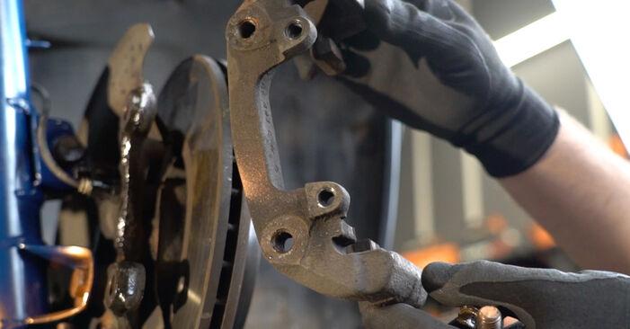 Schritt-für-Schritt-Anleitung zum selbstständigen Wechsel von BMW E36 2000 318i 1.8 Bremsscheiben