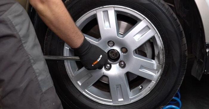 Jak vyměnit OPEL Corsa C Hatchback (X01) 1.2 (F08, F68) 2001 Odpruzeni - návody a video tutoriály krok po kroku.