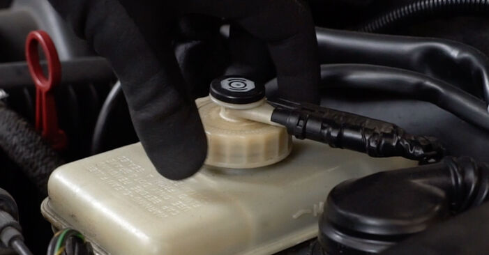 3 Saloon (E36) 318i 1.8 1998 Brake Pads DIY replacement workshop manual