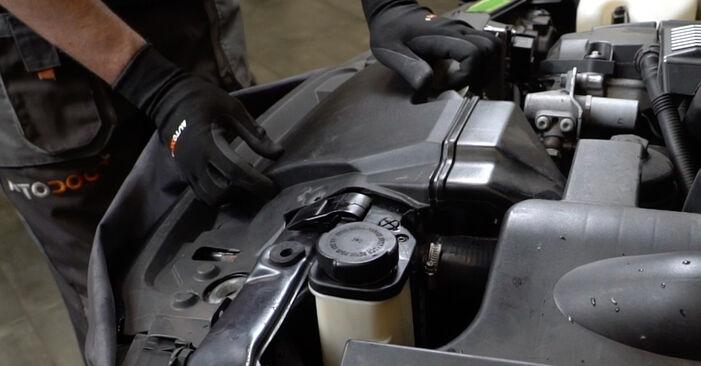 Thermostat am BMW 3 Limousine (E36) 328i 2.8 1999 wechseln – Laden Sie sich PDF-Handbücher und Videoanleitungen herunter