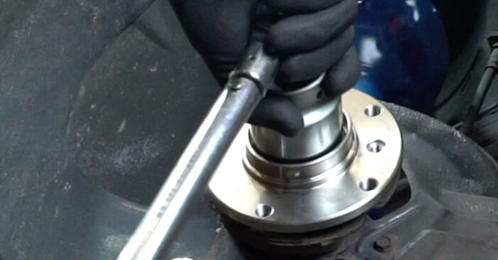 Hvordan skifte Hjullager på BMW 3 Sedan (E36) 1999: Last ned PDF- og videoveiledninger