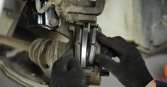 MICRA II (K11) 1.0 2003 Brake Pads DIY replacement workshop manual