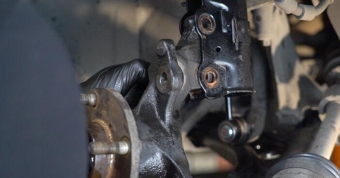 Schritt-für-Schritt-Anleitung zum selbstständigen Wechsel von Nissan Micra k11 2005 1.0 Radlager