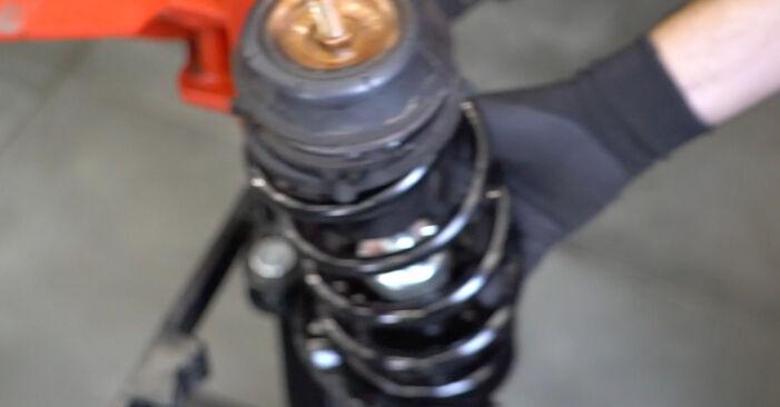 Wie schwer ist es, selbst zu reparieren: Federn Nissan Micra k11 1.0 i 16V 1998 Tausch - Downloaden Sie sich illustrierte Anleitungen