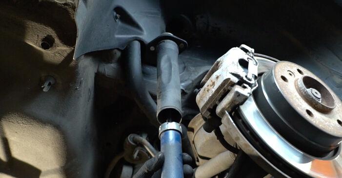 Trinn-for-trinn anbefalinger for hvordan du kan bytte BMW E36 1994 318i 1.8 Fjærbenslager selv