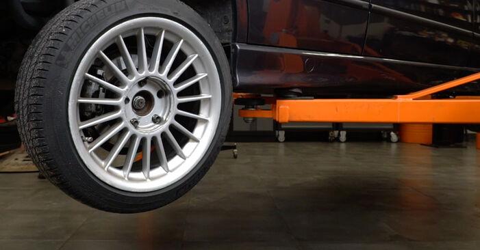 Vanskelighetsgrad: Bytte av Fjærbenslager på BMW E36 323i 2.5 1996 – last ned illustrert veiledning