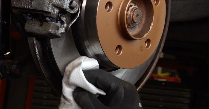 Stoßdämpfer BMW E36 325i 2.5 1992 wechseln: Kostenlose Reparaturhandbücher