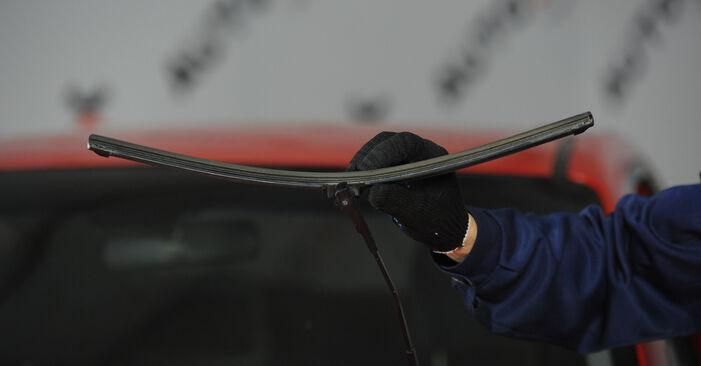 Wymiana Mazda 3 Sedan 1.6 DI Turbo 2005 Pióro wycieraczki: darmowe instrukcje warsztatowe