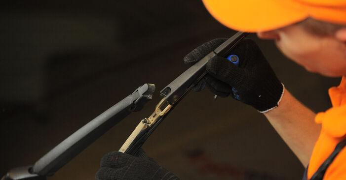 Scheibenwischer Hyundai Santa Fe cm 2.2 CRDi 2007 wechseln: Kostenlose Reparaturhandbücher