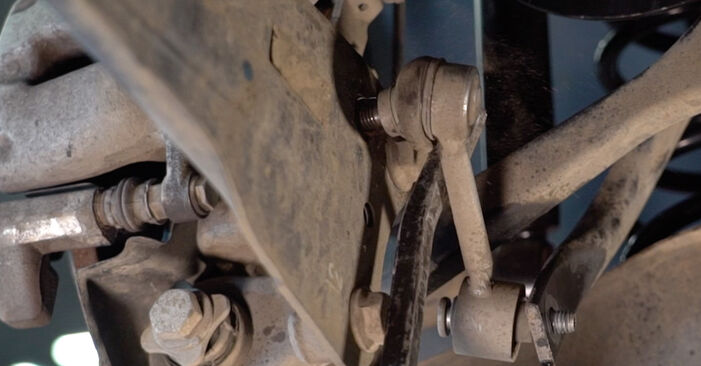 Koppelstange beim HYUNDAI SANTA FE 2.2 CRDi 4x4 2012 selber erneuern - DIY-Manual