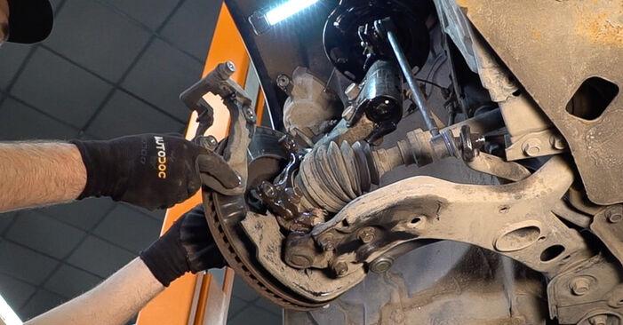 SANTA FÉ II (CM) 2.2 CRDi GLS 2008 Brzdovy kotouc svépomocná výměna díky návodu z naší dílny