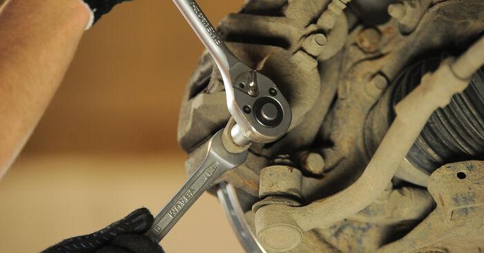Jaké náročné to je, pokud to budete chtít udělat sami: Brzdovy kotouc výměna na autě Hyundai Santa Fe cm 2.4 4x4 2011 - stáhněte si ilustrovaný návod