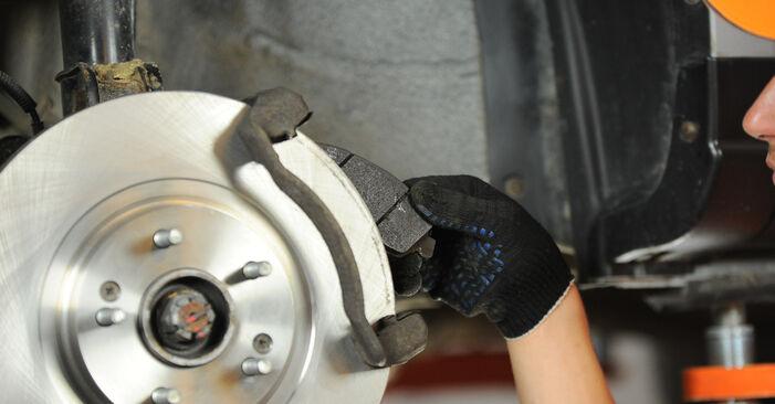 SANTA FÉ II (CM) 2.2 CRDi GLS 2008 Brake Pads DIY replacement workshop manual