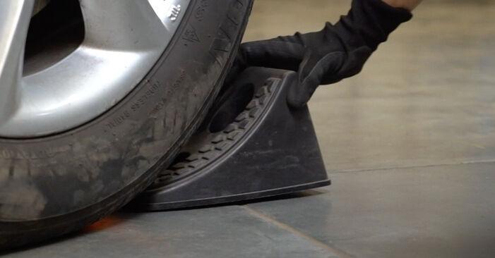 Wie schwer ist es, selbst zu reparieren: Bremsbeläge Hyundai Santa Fe cm 2.4 4x4 2011 Tausch - Downloaden Sie sich illustrierte Anleitungen