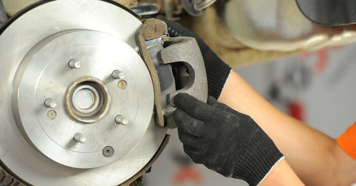 Need to know how to renew Brake Pads on HYUNDAI SANTA FE ? This free workshop manual will help you to do it yourself
