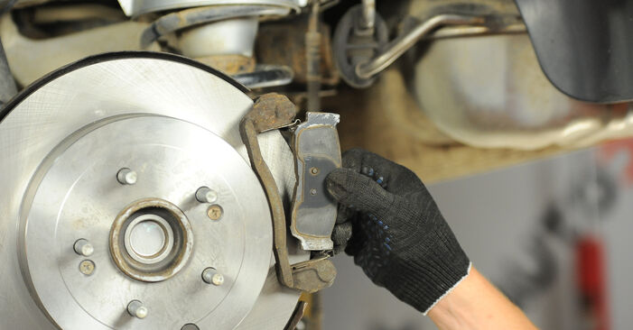 Changing of Brake Pads on Hyundai Santa Fe cm 2005 won't be an issue if you follow this illustrated step-by-step guide